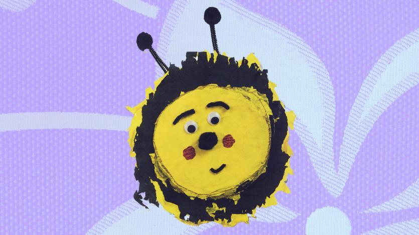 Μέλισσα από πιατάκι του πάρτι