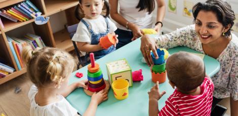 Παιχνιδο-κατασκευές για παιδιά 0 - 6 ετών με βάση τη Μοντεσσοριανή παιδαγωγικη